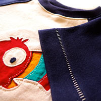 Paco. Applique Raglan Shirt