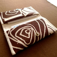 Cocoa Rosettes Card Holder Wallet